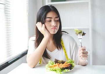 Apa Aja Sih? Manfaat Hingga Effect Berlebihan Konsumsi Selada, Simak Yuk!