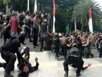 Viral Video Oknum Polisi Banting Mahasiswa, LBH Jakarta: Tindakan Brutal Mengancam Keselamatan